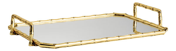 Na zlatom zrkadlovom podnose aj obyčajné sklené flakóny aplastové nádobky so všakovakými drobnosťami budú hviezdy. 29,99 €, H&M Home