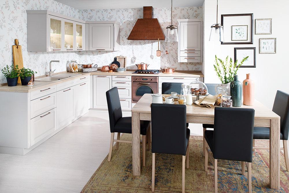 Kuchyňa Radúza čerpá inšpiráciu vprovensálskom štýle aponúka bohaté možnosti stvárnenia. Je dostupná vdomoch nábytku Decodom.