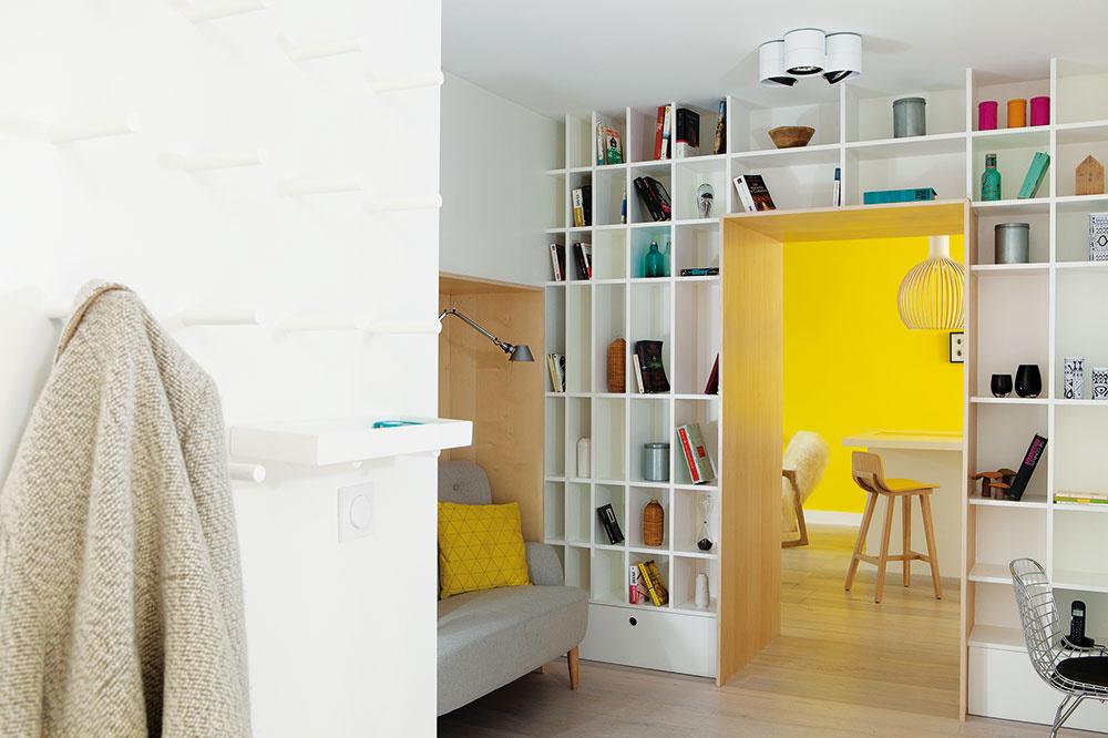 Výklenky v stenách pridajú na priestore. Využitie nájdu pre knižnicu, police, skriňu alebo kútik na sedenie. FOTO OLIVIER HALLOT/PHOTOFORPRESS.COM