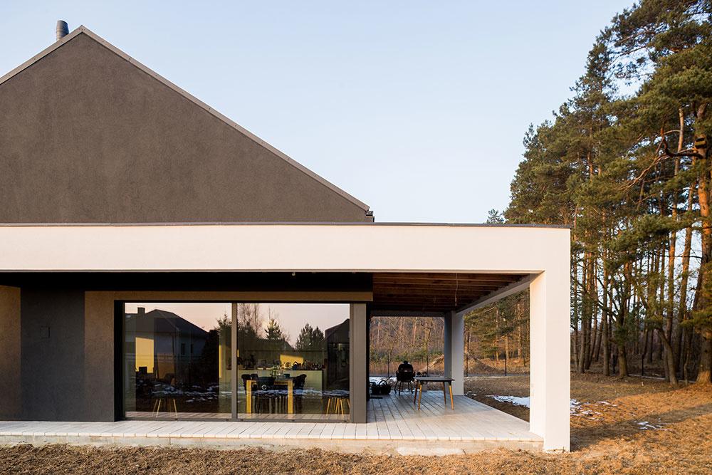 Novostavba na spôsob stodoly: Minimalizmus osviežený severským štýlom