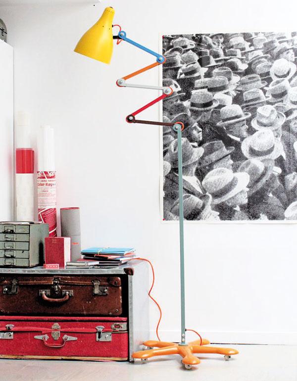 Stojanové svietidlo Mirobolite, 55 × 122 cm, maximálna výška 200 cm, maximálna šírka 100 cm, lakovaná oceľ, viac farieb, 595 €, www.tse-tse.com