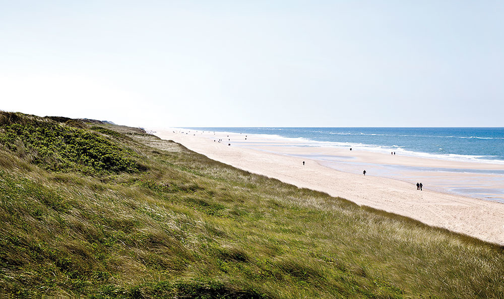 OSTROV SYLT je najsevernejší a štvrtý najväčší ostrov Nemecka. Patrí medzi obľúbené dovolenkové destinácie- najmä pre svoje krásne adrsno-romantické pláže.
