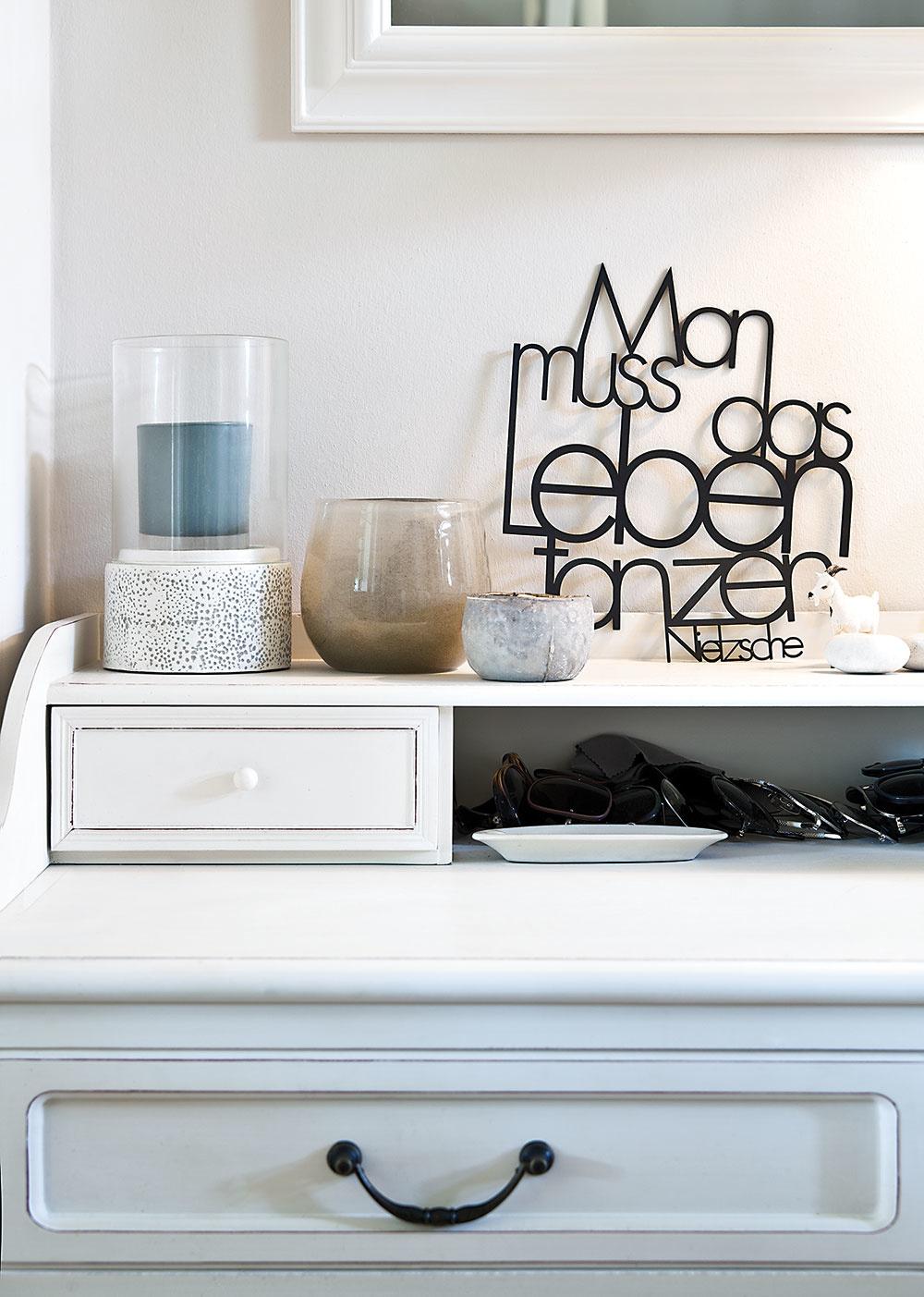 DOPLNKY majitelia starostlivo vyberali tak, aby farebne ladili so zvyškom domácnosti.