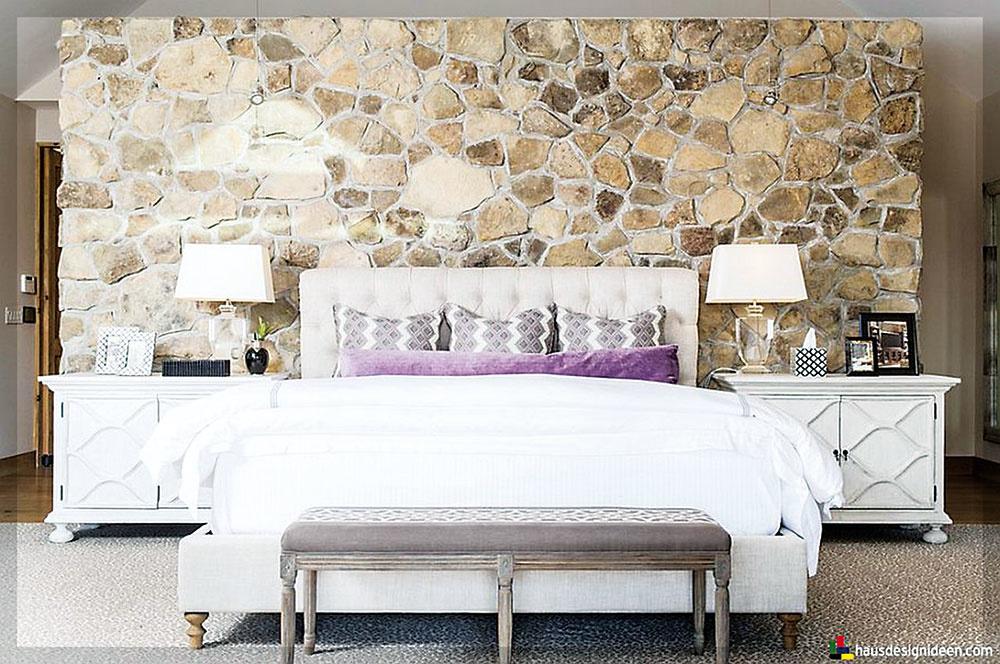 ŠTRUKTÚRA KAMEŇA je jedným zo spôsobov, ako dynamizovať moderné interiéry. A pokojne  ho umiestnite aj do spálne, kde vytvorí kontrast s teplo pôsobiacimi textíliami.