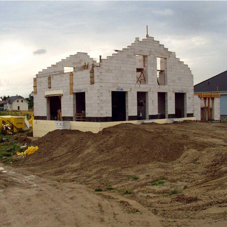 Vrchná stavba nahrubo