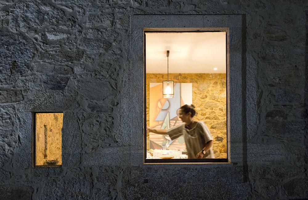 Zrekonštruovaný kamenný dom, ktorý vás nenechá chladnými