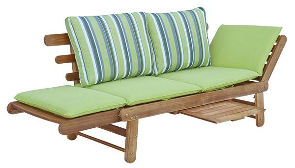 Záhradná lavica Garden od SOB, rozkladacia, agátové drevo, 66 × 66 × 158 cm (v rozloženom stave 190 cm), 498 €, www.bonami.sk