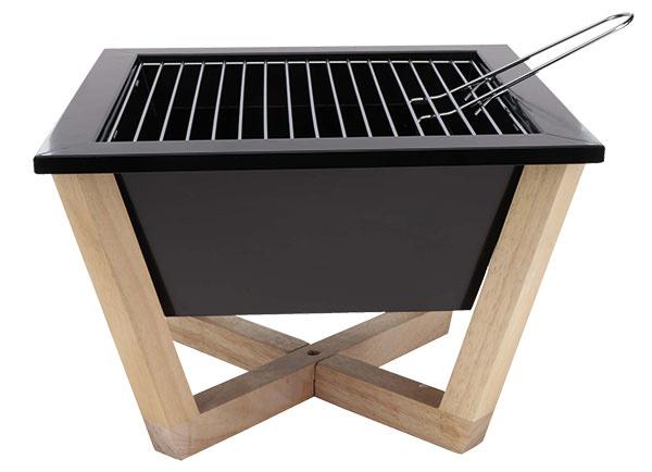 Na súkromný večer s klobáskami Prenosný gril Nido od XD Design na drevenom podstavci, kapacita: 1 kg uhlia, rozpálenie: 30 minút, 25 × 35 × 35 cm, 71,45 €, www.zoot.sk