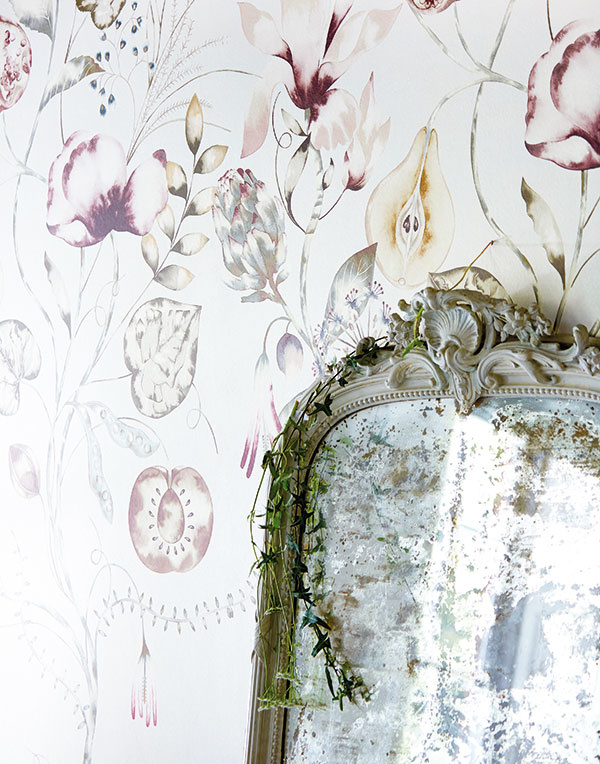 Tapety z kolekcie Standing Ovation od Harlequin s botanickým motívom, predáva Cymorka Interior Design