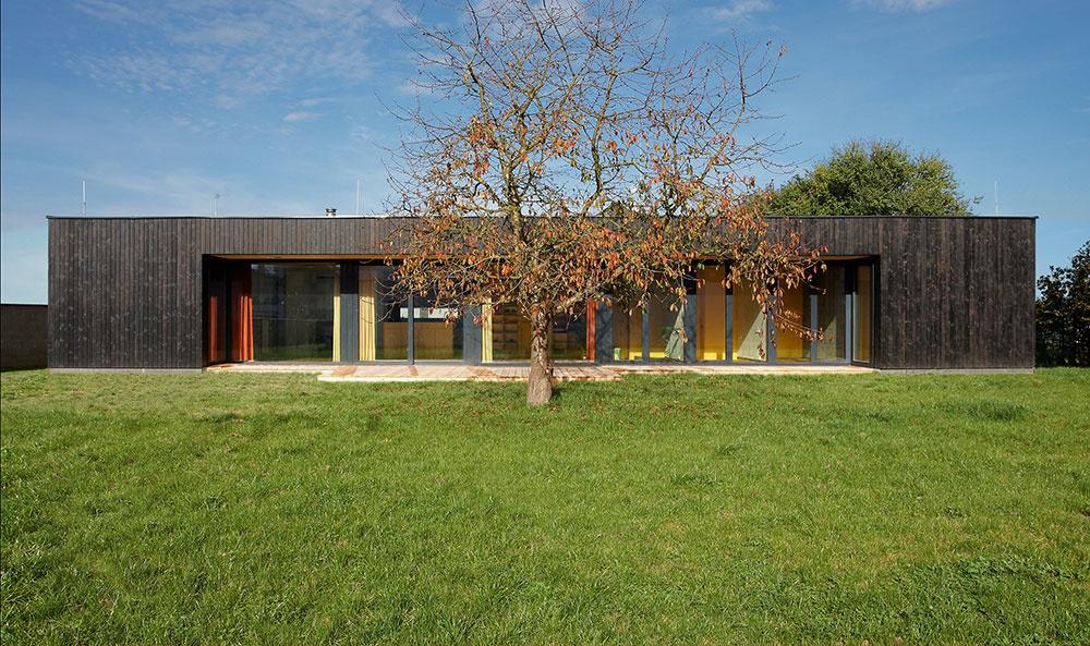 Nízkoenergetický prízemný rodinný dom:  Elegantné a úsporné riešenie bývania