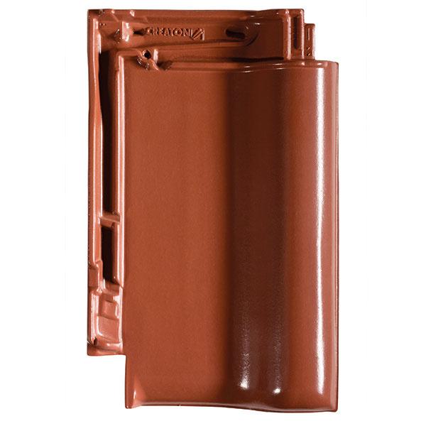 Veľkoformátová škridla TITANIA je vďaka možnosti veľkého posunu až 4,3 cm vhodná najmä na rekonštrukcie.