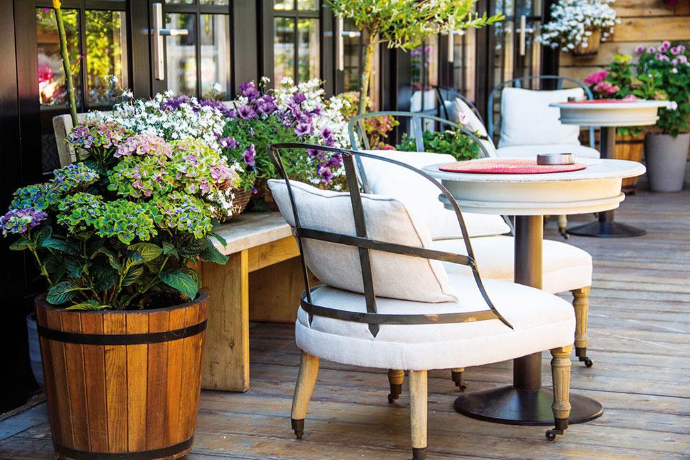 Ako si zariadiť balkón a terasu v provensálskom štýle