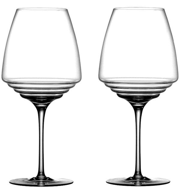 Poháre na červené víno Nuove Esperienze od značky Zafferano, sklo, výška 24,2 cm, priemer 11,2 cm, 6,60 €/1 ks, www.bellatavola.sk