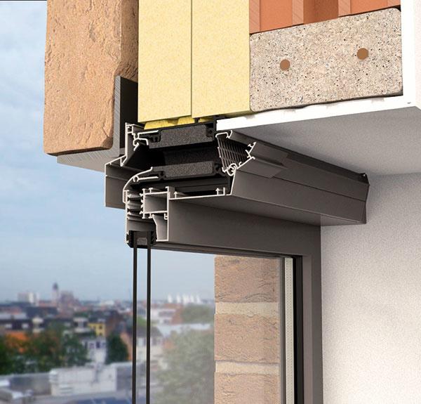 Invisivent sú takmer neviditeľné samoregulačné mriežky, ktoré prispievajú k zdravému vnútornému prostrediu pri minimálnej tepelnej strate a zachovaní zvukovej nepriezvučnosti. Vďaka samoregulačnej klapke zaisťuje mriežka prívod čerstvého vzduchu bez prievanu. Polohovateľný profil umožňuje odkloniť privádzaný vzduch nahor tak, aby bol v miestnosti optimálne rozptýlený.