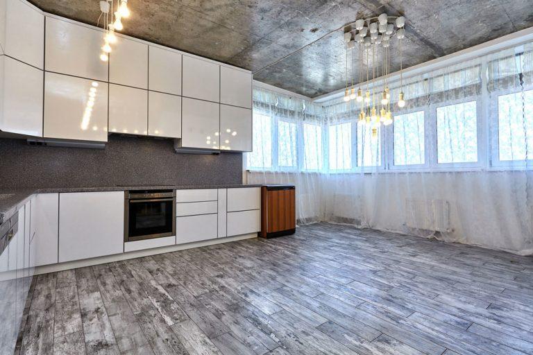 Akú podlahu vybrať do kuchyne? Nechajte sa inšpirovať!