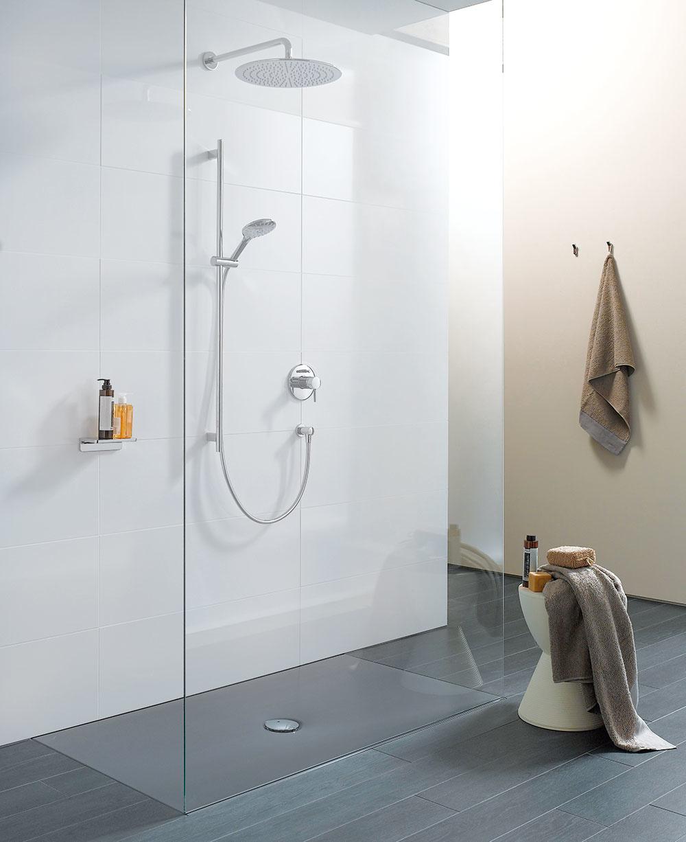 Moderné stvárnenia kúpeľne prajú subtílnym a na prvý pohľad nenápadným, no súčasne rafinovaným riešeniam. Takým je aj sprchová vanička Indura od značky Laufen s protihlukovou izoláciou určená na inštaláciu v úrovni podlahy. Vybrať si môžete zo šiestich veľkostí a troch farieb – biela, biela matná a antracit