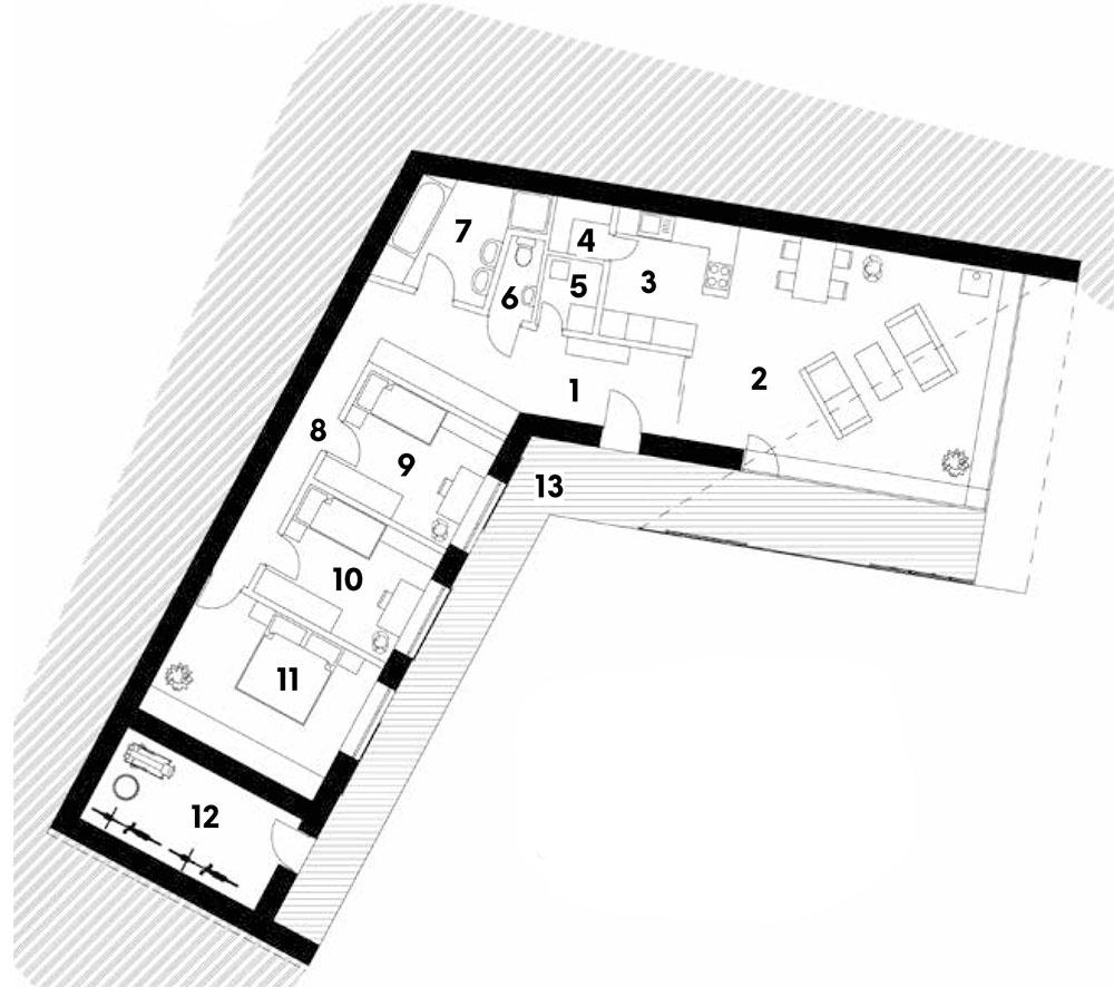 Pôdorys 1 predsieň 2 denný priestor 3 kuchyňa 4 komora 5 technická miestnosť 6 WC 7 kúpeľňa 8 chodba 9 detská izba 10 detská izba 11 spálňa 12 sklad 13 terasa