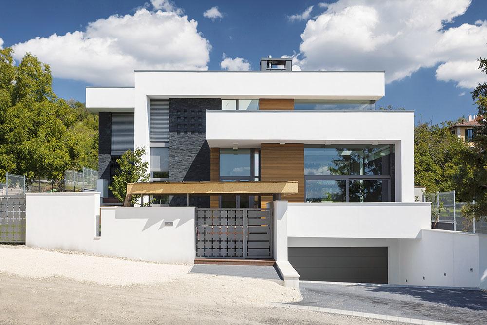 Modelovateľná omietka Baumit CreativTop na fasáde vytvorí štruktúru, ktorá pripomína drevo. Na výber je aj osem odtieňov lazúr. www.baumit.sk