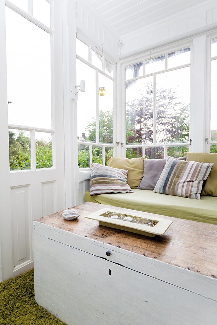 Zasklená veranda ponúka priestor na vytvorenie zimnej záhrady a čaj o piatej.