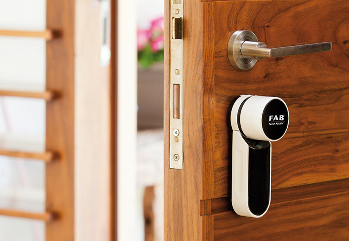YALE SMART LIVING uvádza na slovenský trh produkty určené na inteligentné zabezpečenie domácností