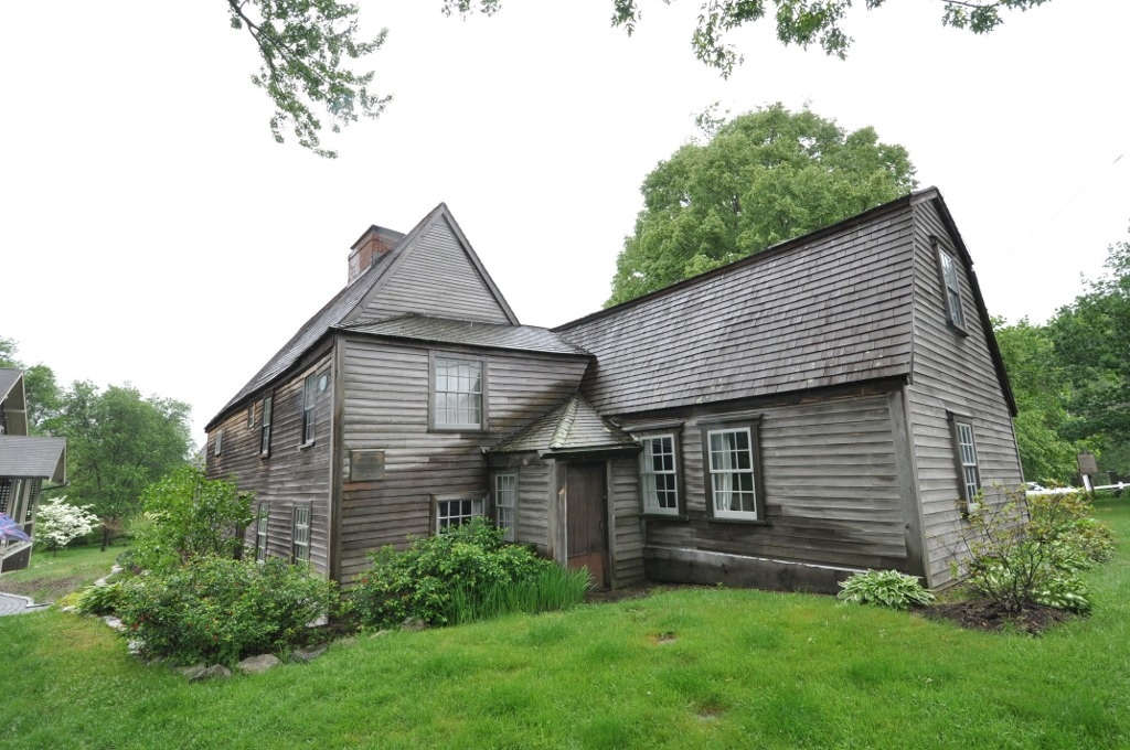 Casa di Fairbanks.  Dedham, Massachusetts, costruita tra il 1637 e il 1641