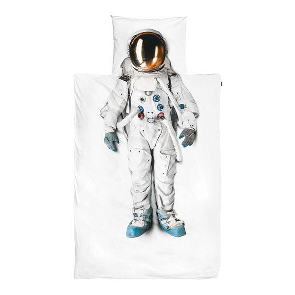POSTEĽNÉ OBLIEČKY s motívom kozmonauta, bavlna, 135 × 200 cm, 50 × 75 cm, 59 €, www.amara.com
