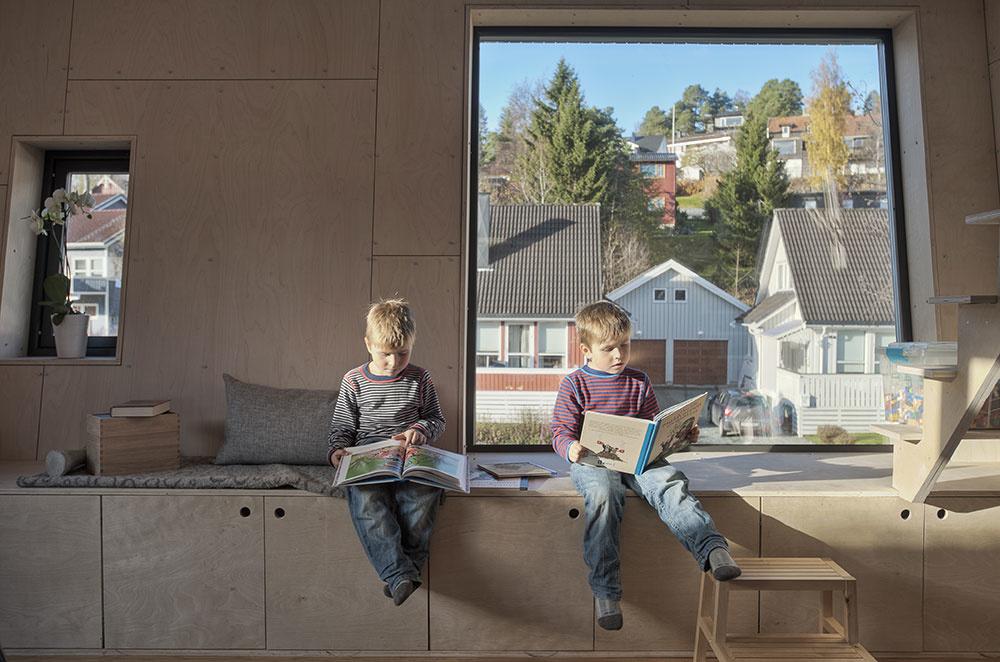 relaxačná zóna pri okne