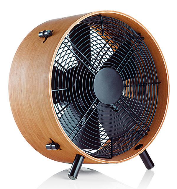 Drevený ventilátor Otto od značky Stadler Form, bambus, oceľ, hliník, 13,7 x 14,8 x 7,2 cm, 199 €, www.westwing.sk