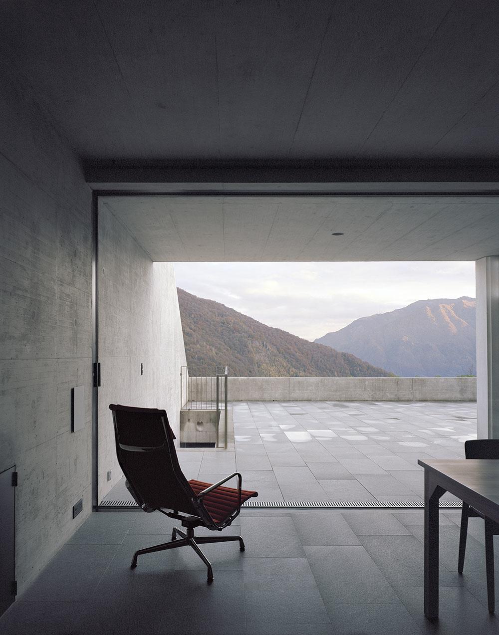 Futuristický dom ukrytý vo svahu