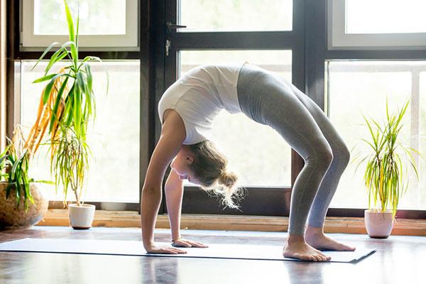 Viete, čo je najdôležitejšie, ak cvičíte jogu doma?