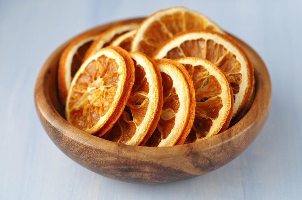 Voňavá vianočná výzdoba zo sušených plátkov pomaranča