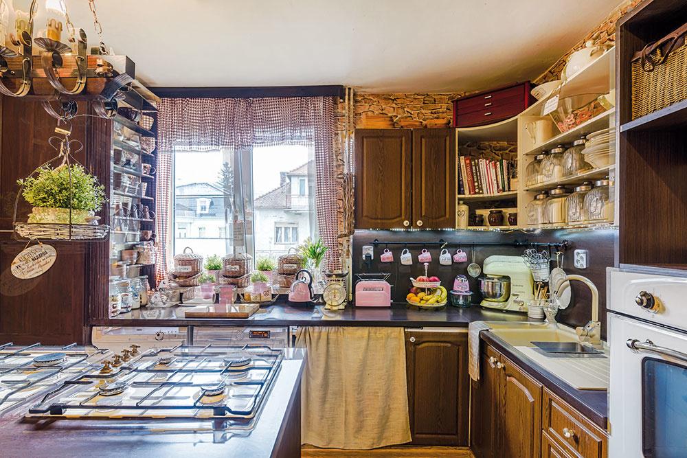 6-ročná premena dvojposchodového domu pri Bratislave, za ktorou stojí šikovná mamička