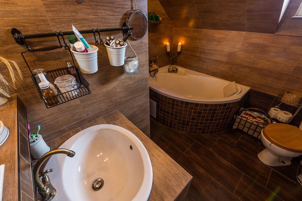 Renovácia kúpeľne majiteľku domu skutočne potrápila. Finálny výsledok však stojí za to.