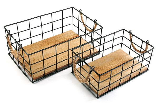 Súprava dvoch úložných košíkov Versa Recangular, hmotnosť 1,2 kg, kov, 30 €, www.bonami.sk