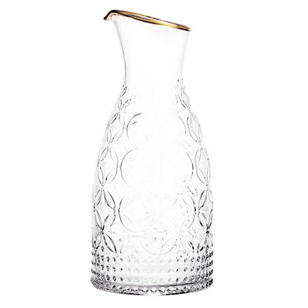 Štruktúrovaná karafa zčíreho skla, výška 25,5 cm, 14,99 €, www.hm.com