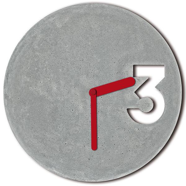 Betónové hodiny Full Red od značky BYJV, betón, hliník, priemer 30 cm, 76 €, www.jakubvelinsky.cz