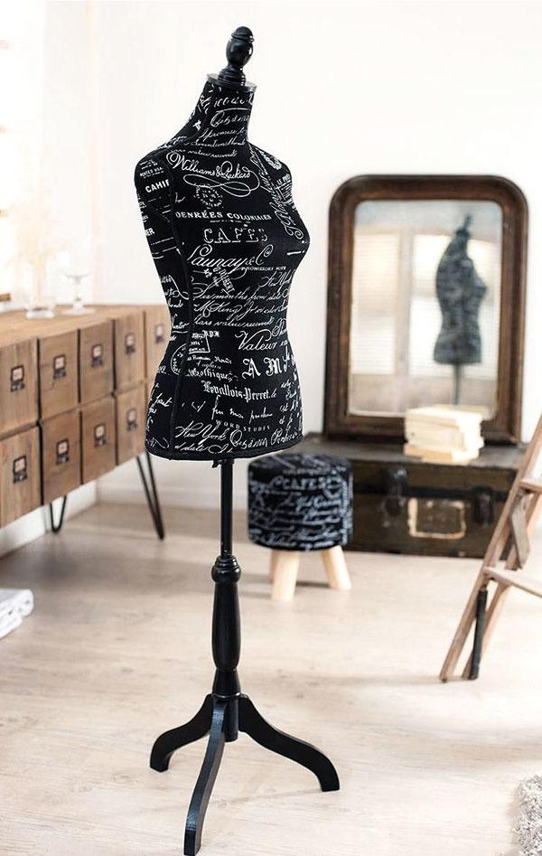 Figurína Theressa, MDF doska, laminát, textil, 36 × 40 × 165 cm, 59,90 €, www.westwing.sk