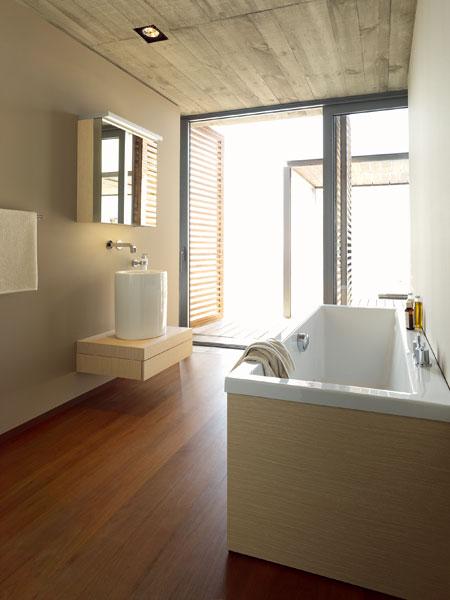 Vpustite drevo do kúpeľne