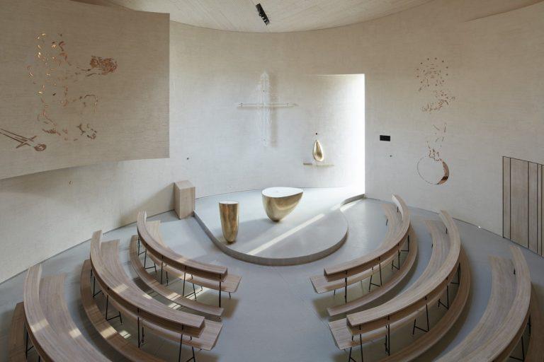 Súťaž Interiér roku: Nevšedný a moderný interiér kostola