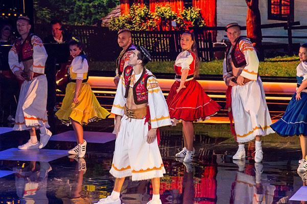 Tanečníci z Old School Brothers ukončili slávnostný galavečer veselou ľudovkou
