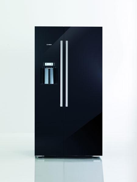 Priestranný, elegantný, úsporný: nový rad chladničiek side by side