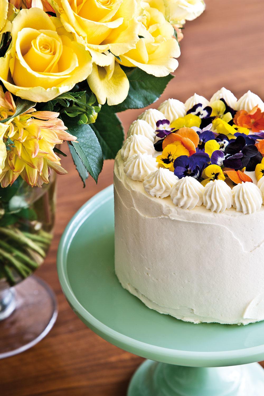KLASICKÁ VANILKOVÁ TORTA svanilkovým krémom je spomedzi všetkých dezertov, ktoré Frank pripravuje, jeho najobľúbenejším.