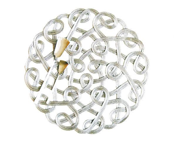 Špagátové s metalickým efektom, 100 % polyamid, priemer 38 cm, 22,99 €, www.zarahome.com