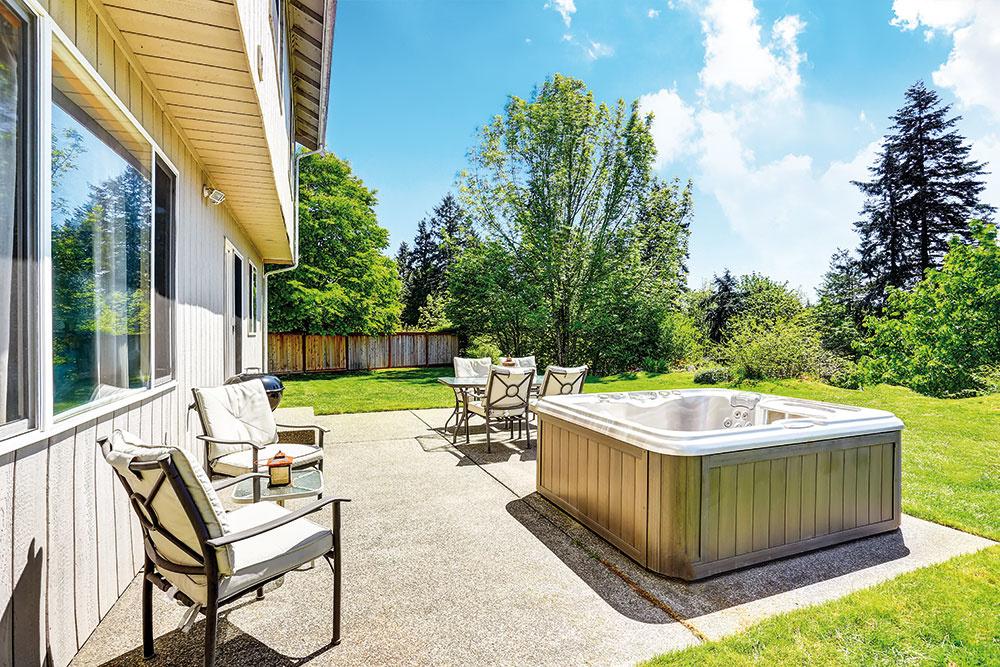 Pre niekoho je záhrada zaslúžený oddych na záhradnom ležadle sknihou vruke, pre iného grilovačka spriateľmi, pre labužníkov absolútny relax vo vírivke.