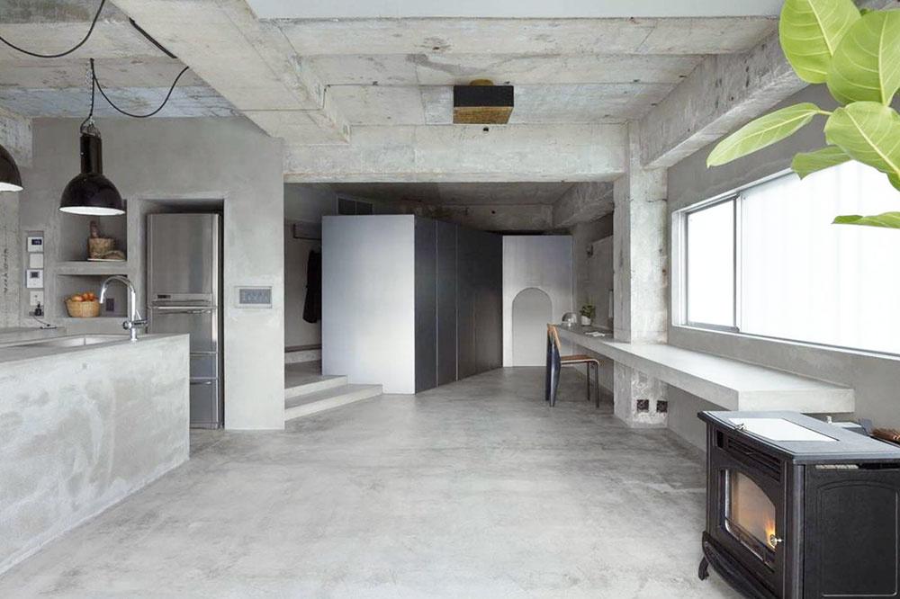 STROHÝ BETÓN  Na podlahách, stenách, kuchynských doskách, v kúpeľniach či spálňach, ale nezriedka i v detských izbách. Nájdete ho všade. Pohľadový betón milujú najmä vyznávači industriálneho štýlu, ale postupne preniká aj do útulnejšie zariadených domácností, a to hlavne v podobe doplnkov, ako sú hodiny, kvetináče či vázy. Keďže jeho surovosť pôsobí v interiéri chladne, kombinujte ho s mäkkými materiálmi, ako sú napríklad spomínané pleteniny a kožušiny, ale krásne ukáže aj jeho kontrast s drevom.