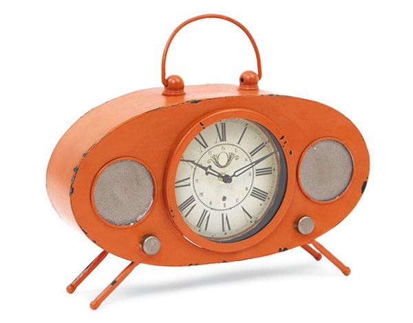 Industriálne s dizajnom retro rádia, oranžové, kov, 37,4 × 8 × 31,5 cm, 55 €, www.dedraslovakia.sk