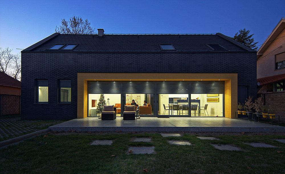 Rodinný dom  pre štvorčlennú rodinu inšpirovaný tradičnou srbskou architektúrou