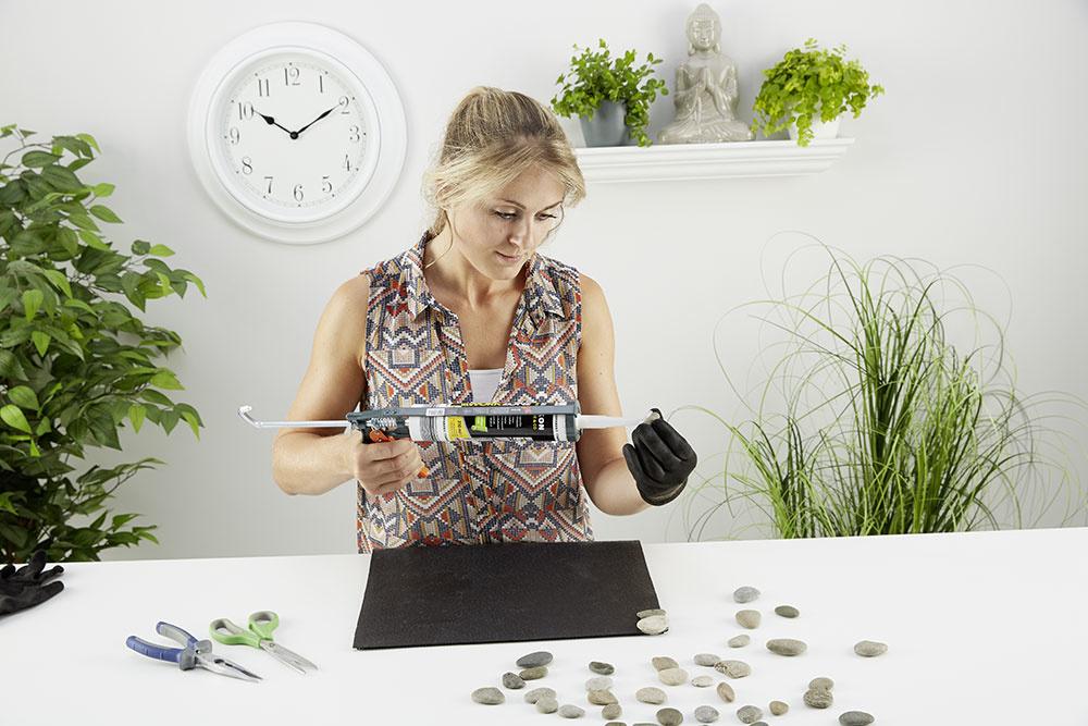 3. LEPENIE Rovnako, ako keď skladáme puzzle, aj tu treba nájsť pre jednotlivé kamienky tú správnu pozíciu, aby ksebe čo najlepšie pasovali.