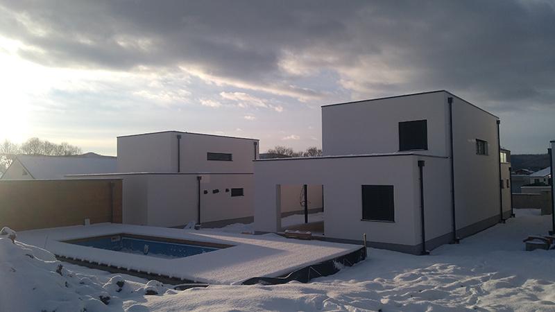 RD Zvolen – Dvojpodlažný rodinný dom s bazénom