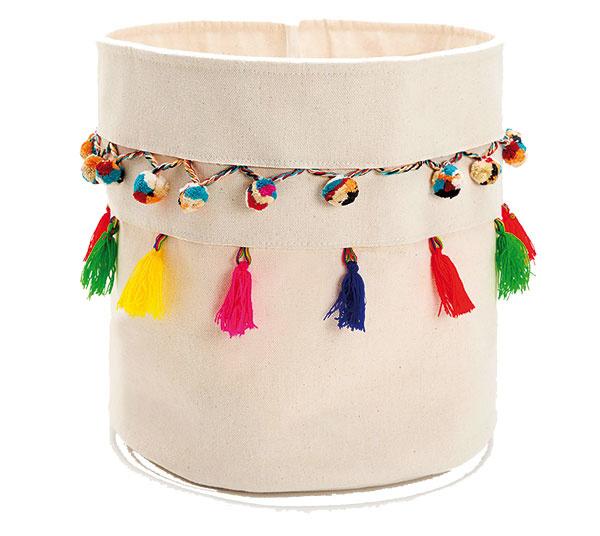 Malý bavlnený košík s brmbolcami, 95 % bavlna, 5 % vlna, 15,99 €, Zara Home